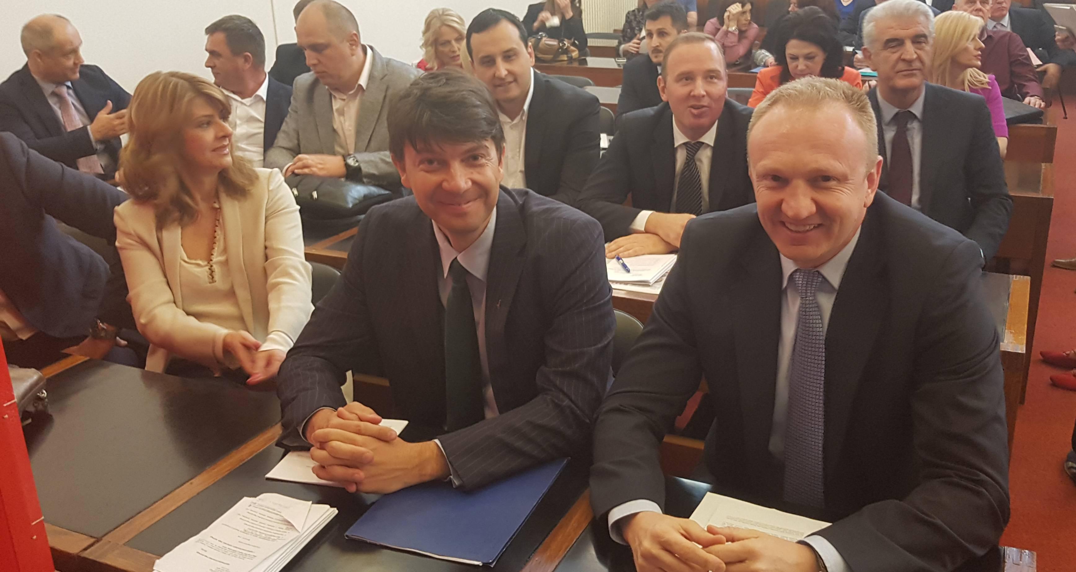 Савез за Србију: Весић је градоначелник из сенке, сраман тим Зорана Радојичића