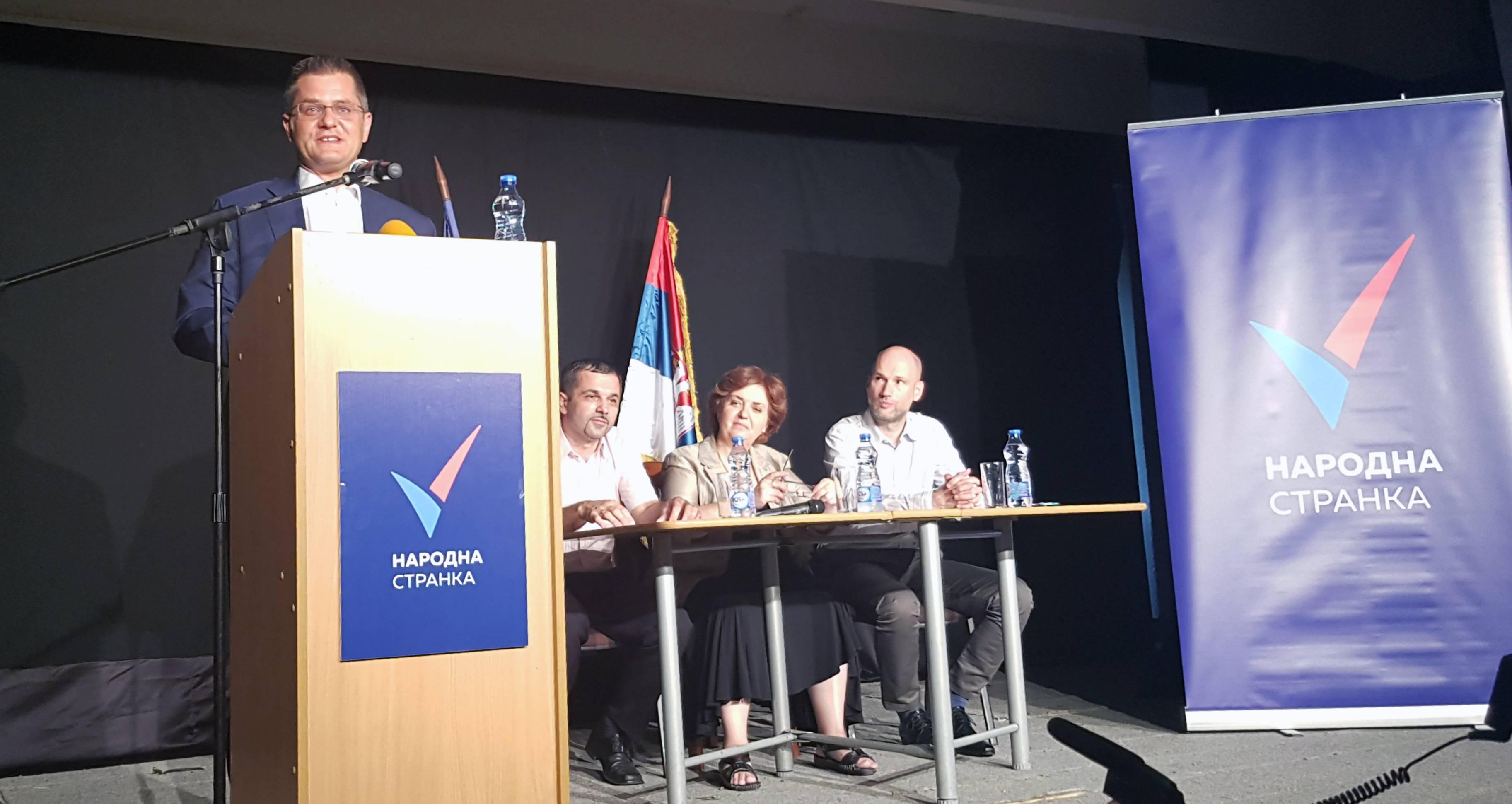 Јеремић: Вучић планира изазивање немира на северу Косова