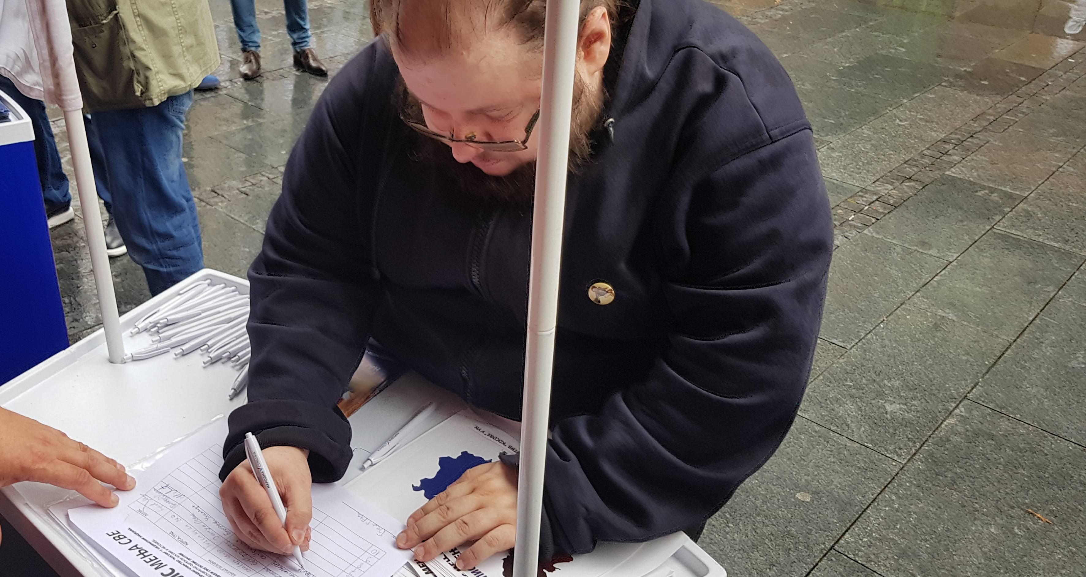 """Димитрије Војнов подржао акцију """"Један потпис мења све"""", потписао против чланства приштине у УН"""