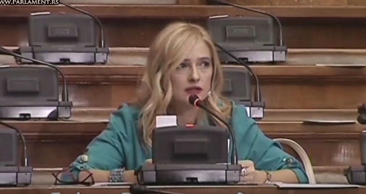 Дијана Вукомановић: Министри морају да воде рачуна о последицама својих изјава