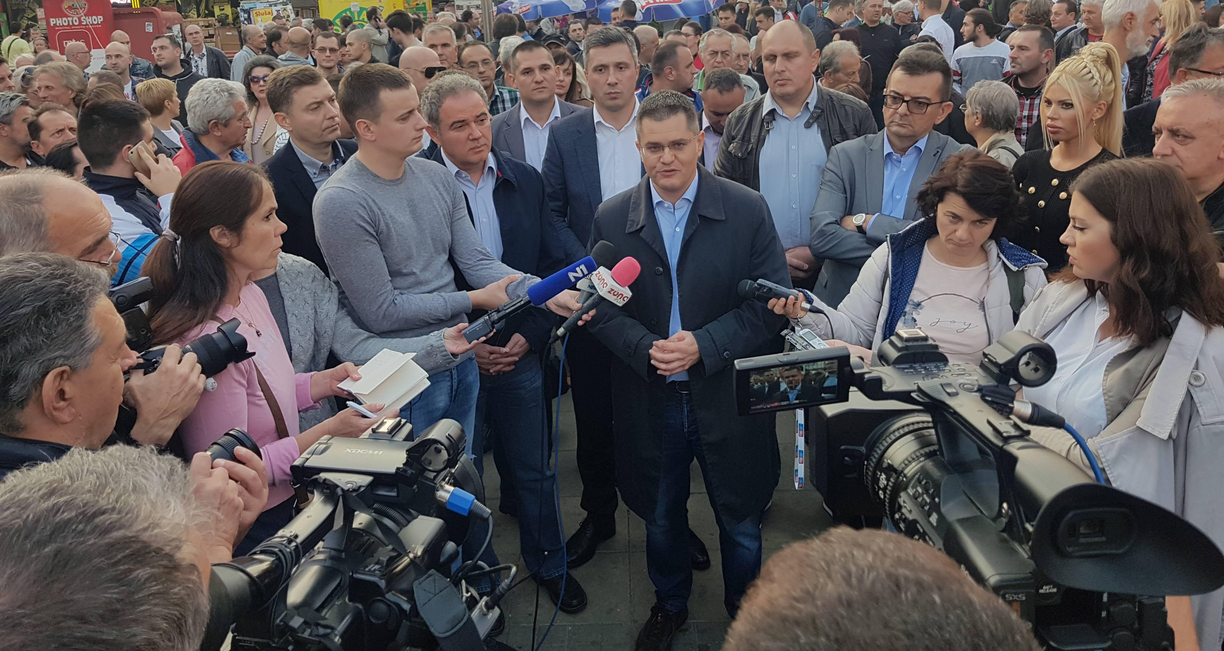 Лидери Савеза за Србију у Нишу: Зауставићемо распродају Србије