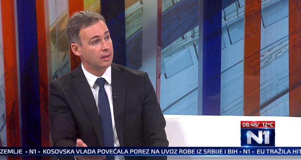 Алексић: У Србији режим подстиче бахатост, успоставља тотални медијски мрак и фалсификује стварност
