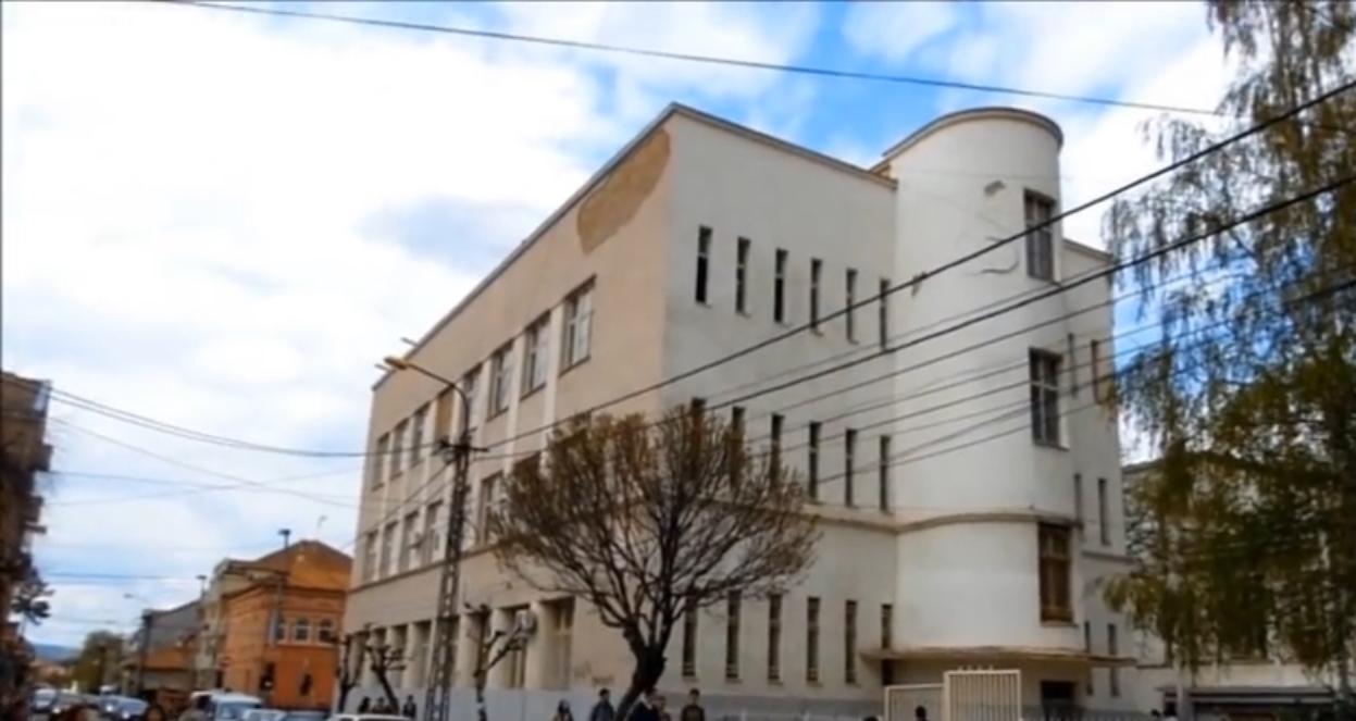 Крушевац: Гашењем филолошког одељења Гимназије власт убија образовање
