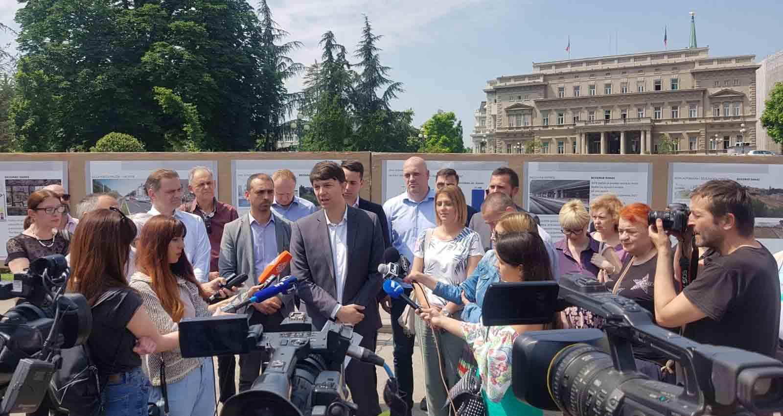 Јовановић: Град да одустане од набавки луксузних аутомобила