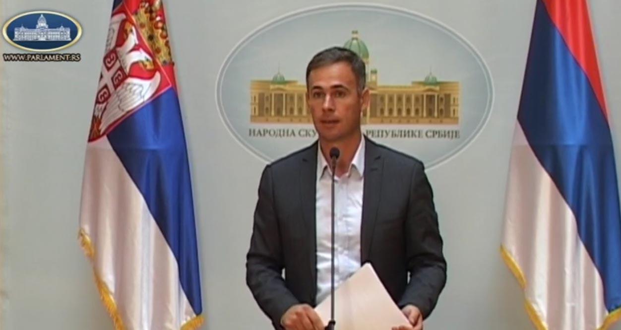 Алексић: Власт огрезла у корупцији и криминалу, Влада Србије да поднесе оставку