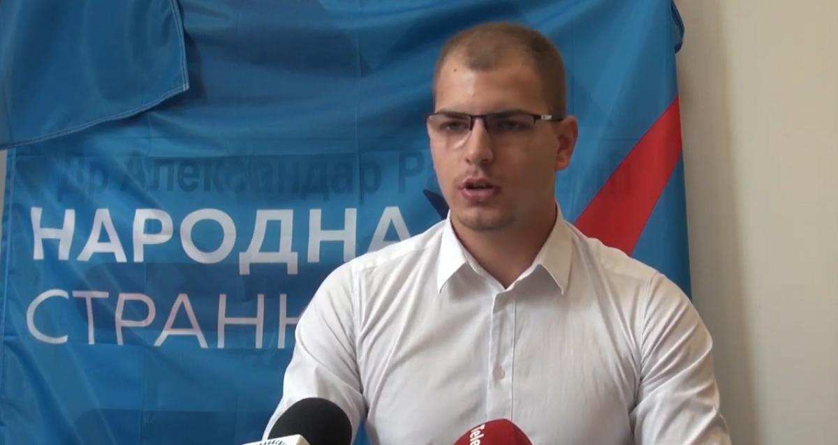 Лазар Пауновић: Младе који не желе да приступе СНС-у власт наводи на одлазак из земље