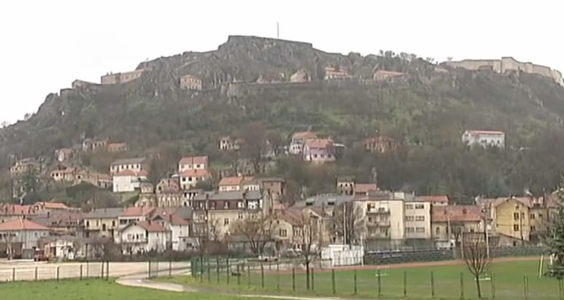 Народна странка најоштрије осуђује напад на Србе код Книна