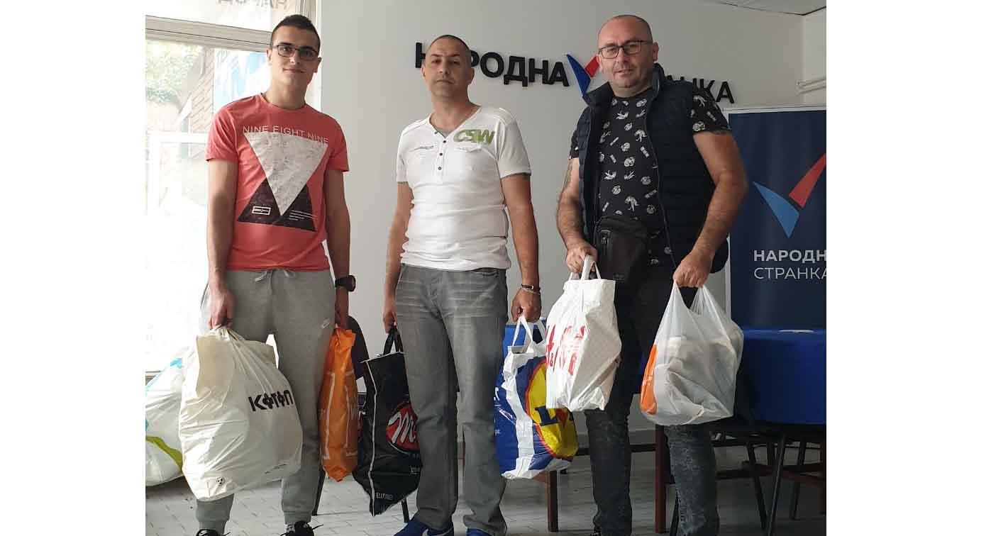 Народна странка Врбас: Обућа оних који су напустили Србију предата Црвеном крсту