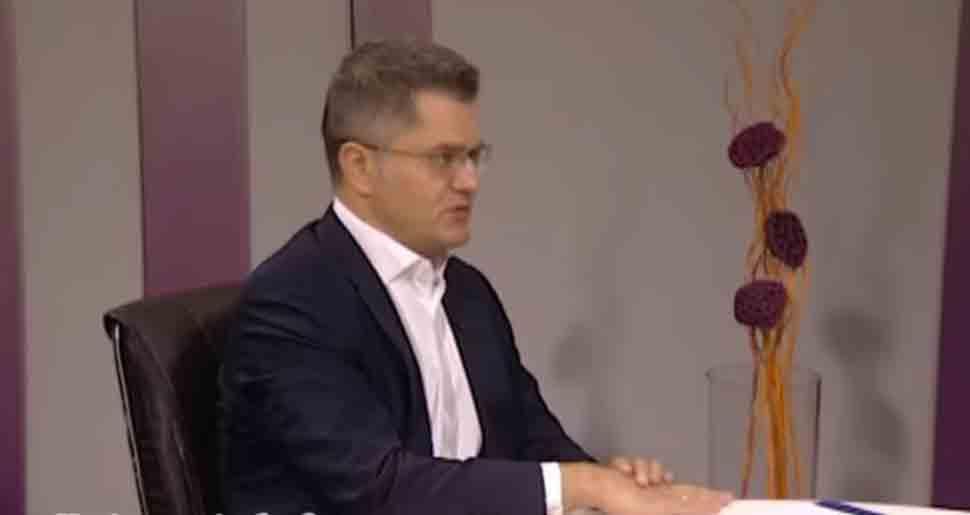 Јеремић: Вучић да одговори зашто чланови породице министра тргују оружјем
