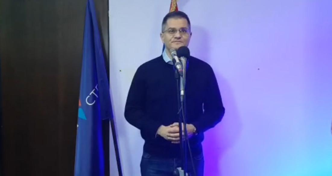 Јеремић: Вучић подржава Ђукановића у отимању имовине цркве у Црној Гори