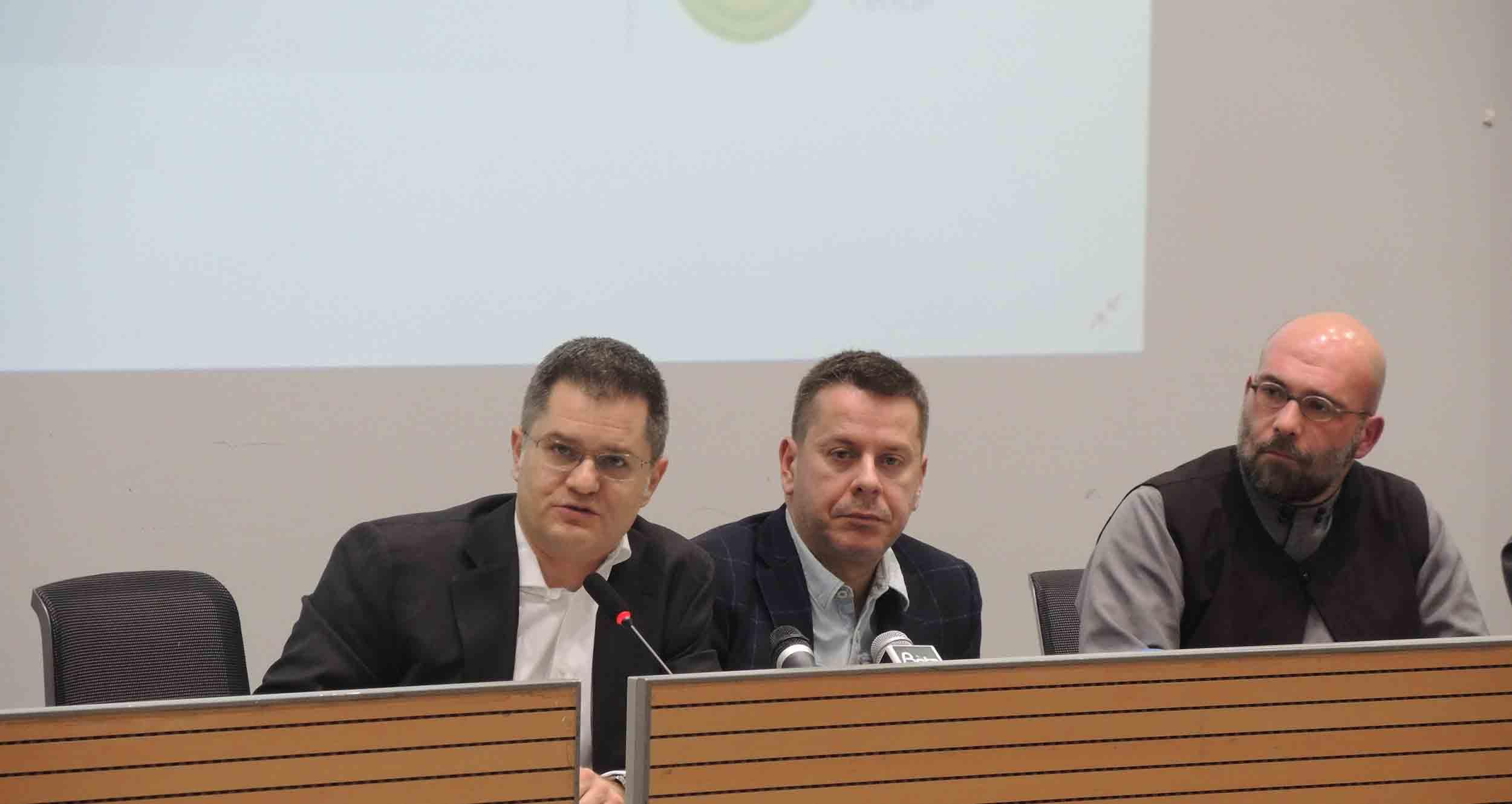 Јеремић: Ако у Црној Гори прође закон против СПЦ, исто ће се догодити и на Косову и Метохији