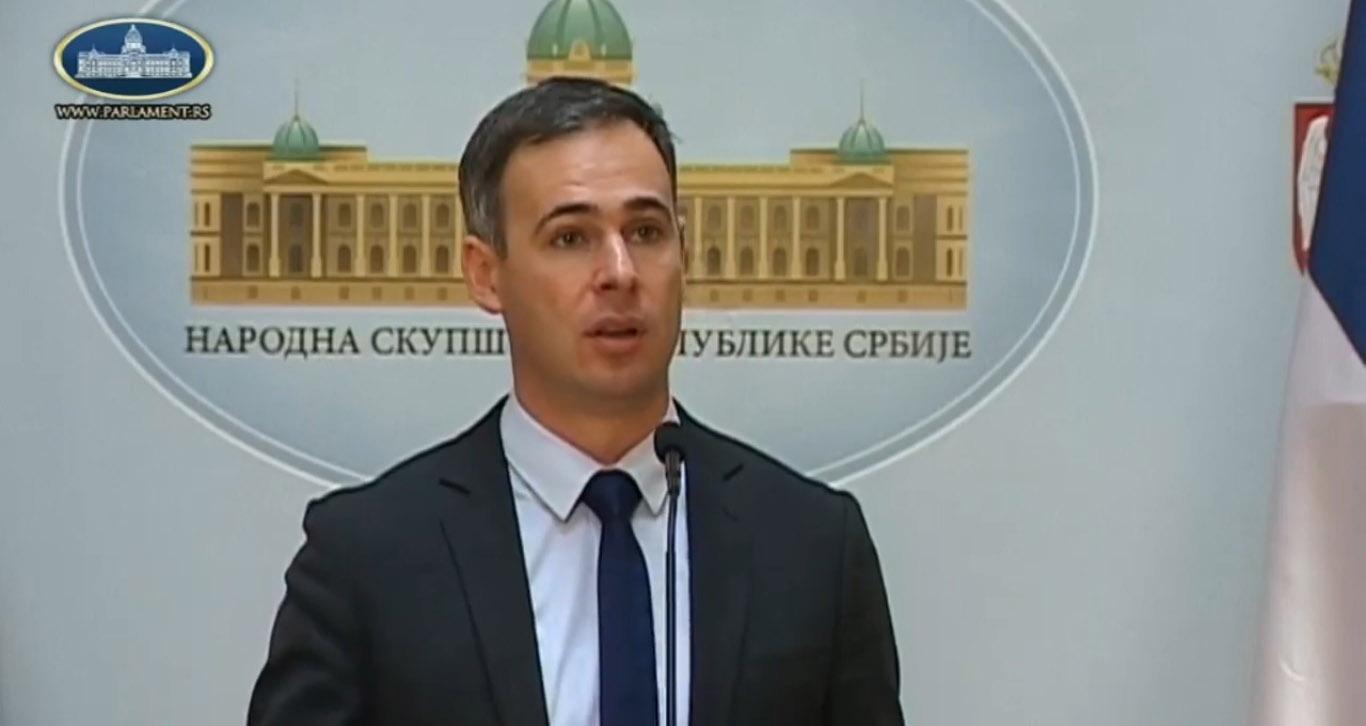 Алексић: Бојкот ће поразити Вучићев режим, зато у страху маме лаковерне на удицу од три одсто