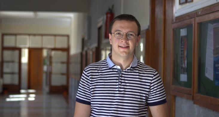 Митов: Док се говори о милионима евра помоћи - студентске стипендије касне