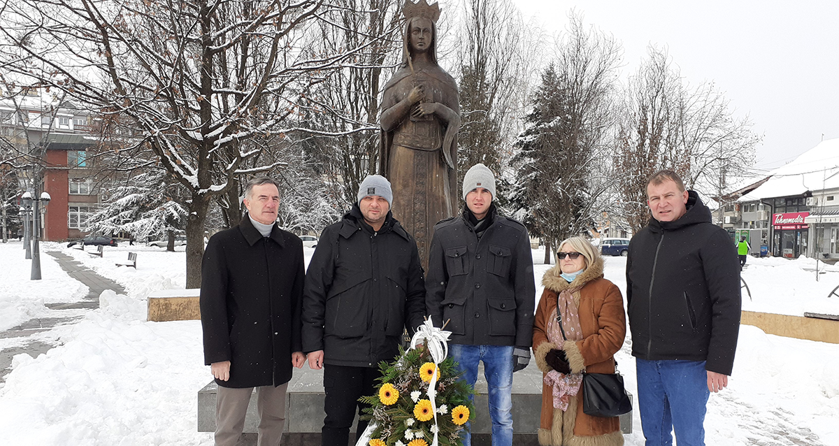 Народна странка Трстеник обележила петогодишњицу постављања споменика кнегињи Милици