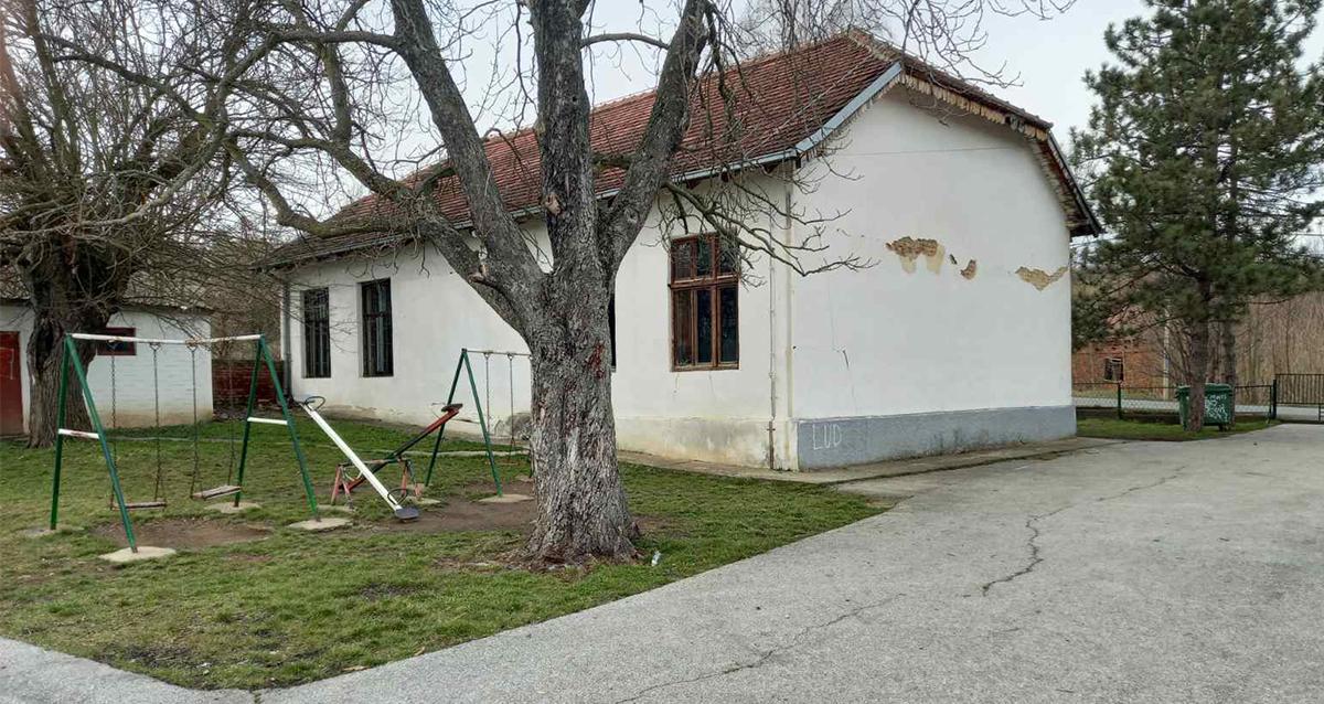 Народна странка Гроцка: Хитно средити школу у Живковцу