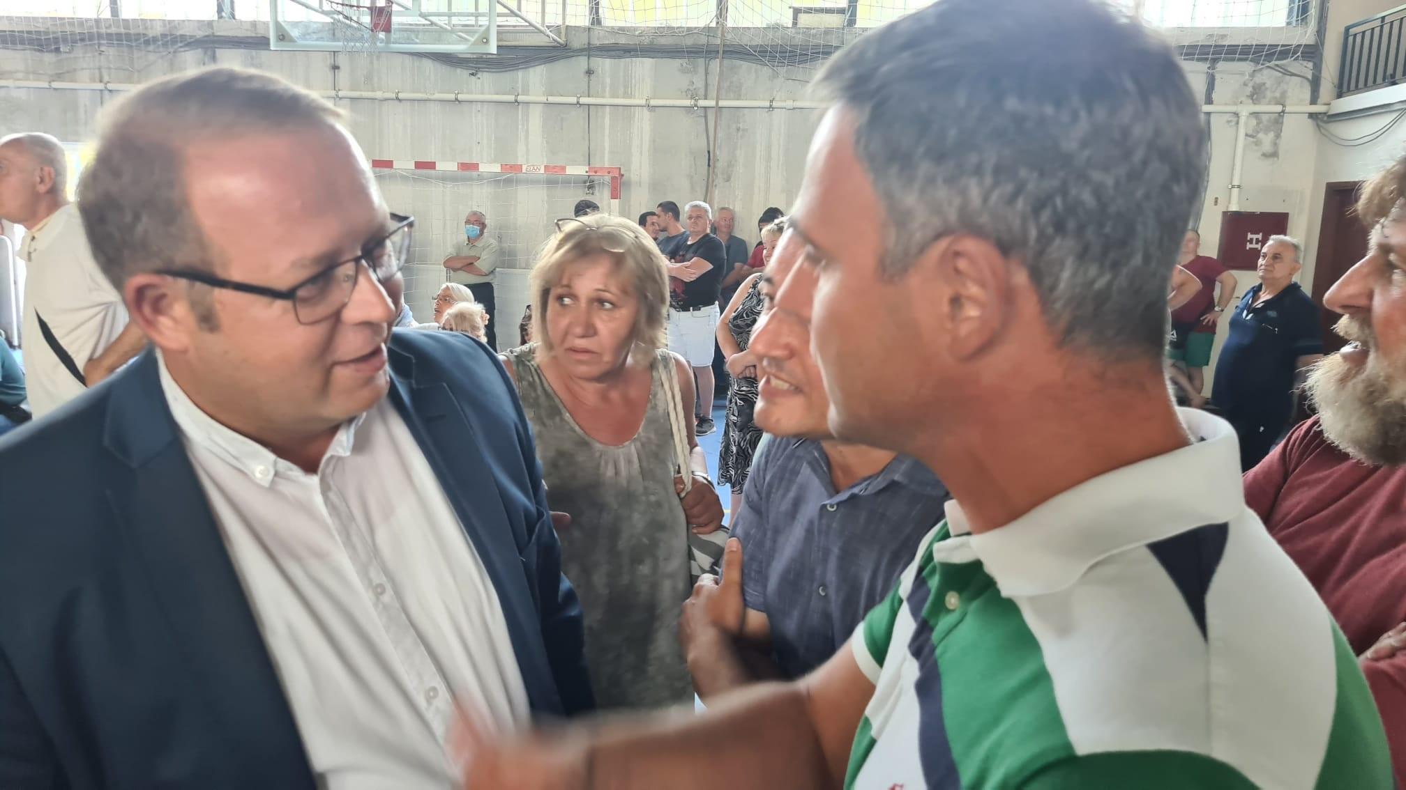 Алексић: Градоначелник Бора изазвао инцидент, па га грађани полили водом