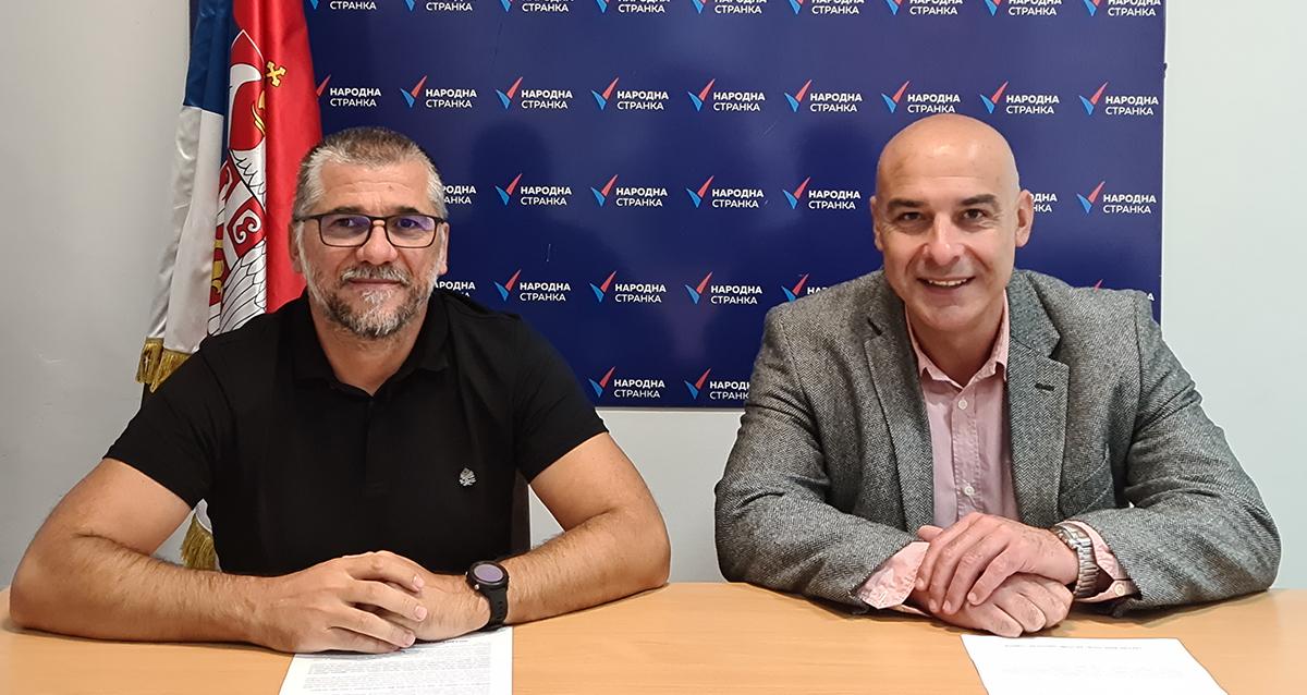 Народна странка Крушевац: Град да обезбеди ђациме бесплатне уџбенике